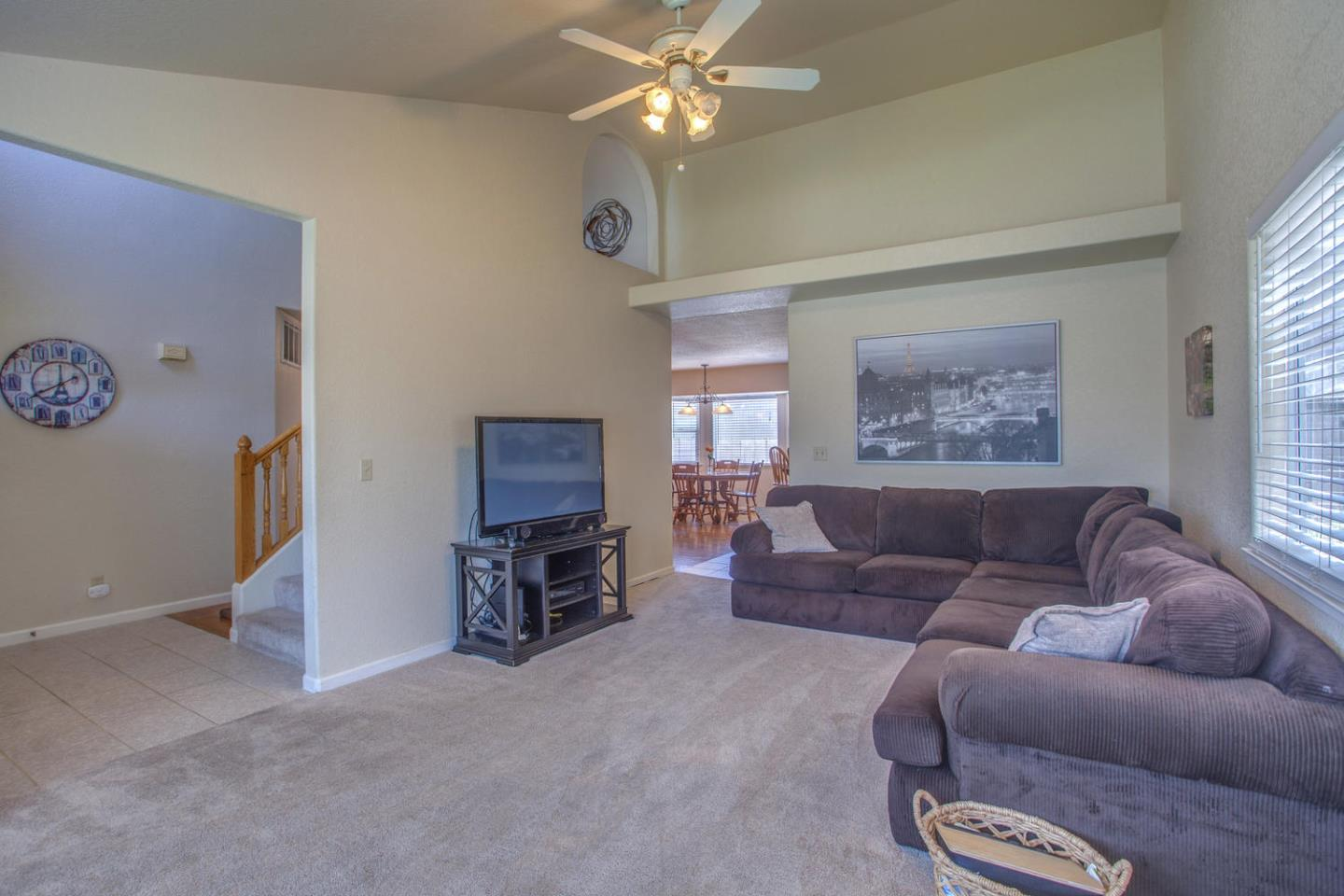 Additional photo for property listing at 590 Verona Place  Hollister, California 95023 United States