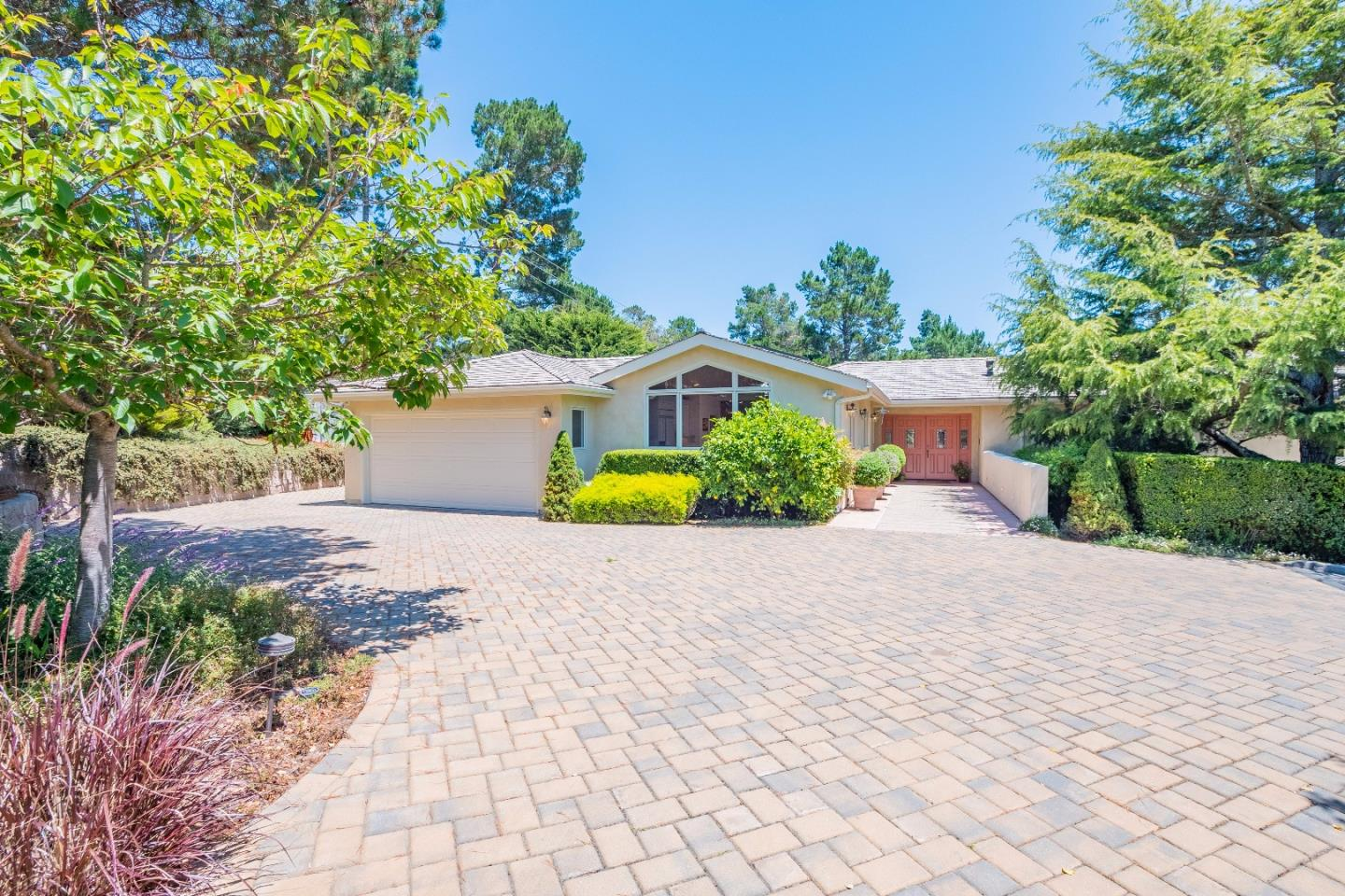 Additional photo for property listing at 25315 Arriba Del Mundo Drive  Carmel, California 93923 Estados Unidos