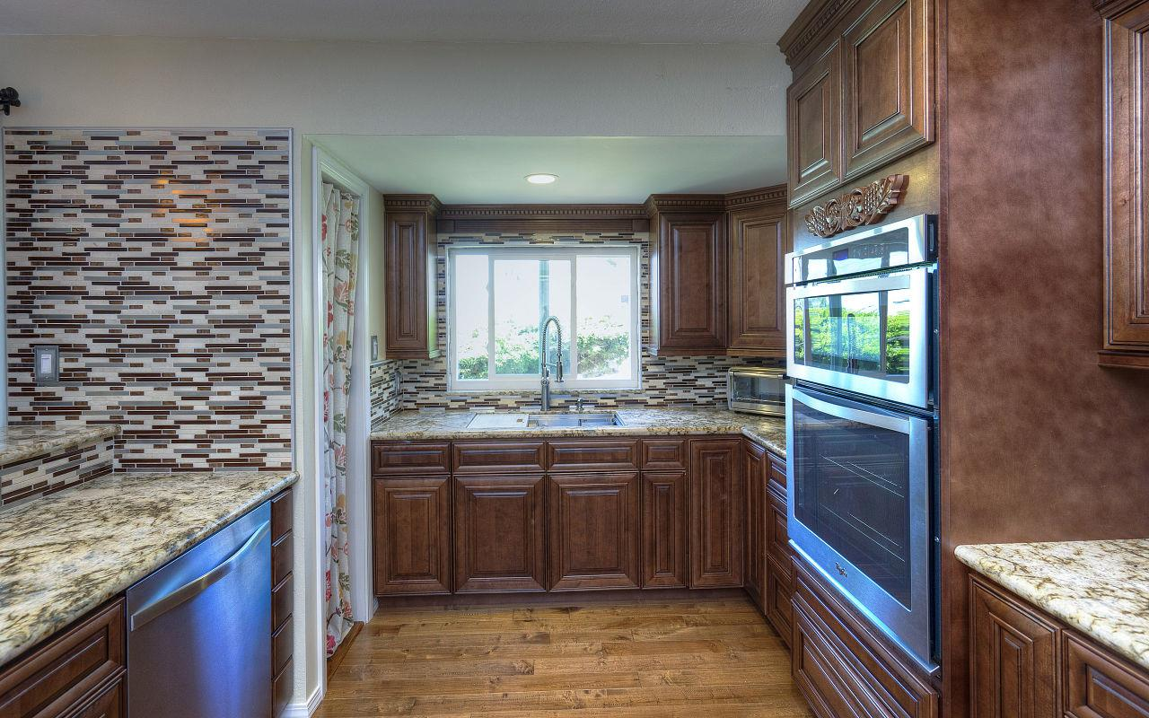 Additional photo for property listing at 2120 Strang Avenue  San Leandro, Kalifornien 94578 Vereinigte Staaten