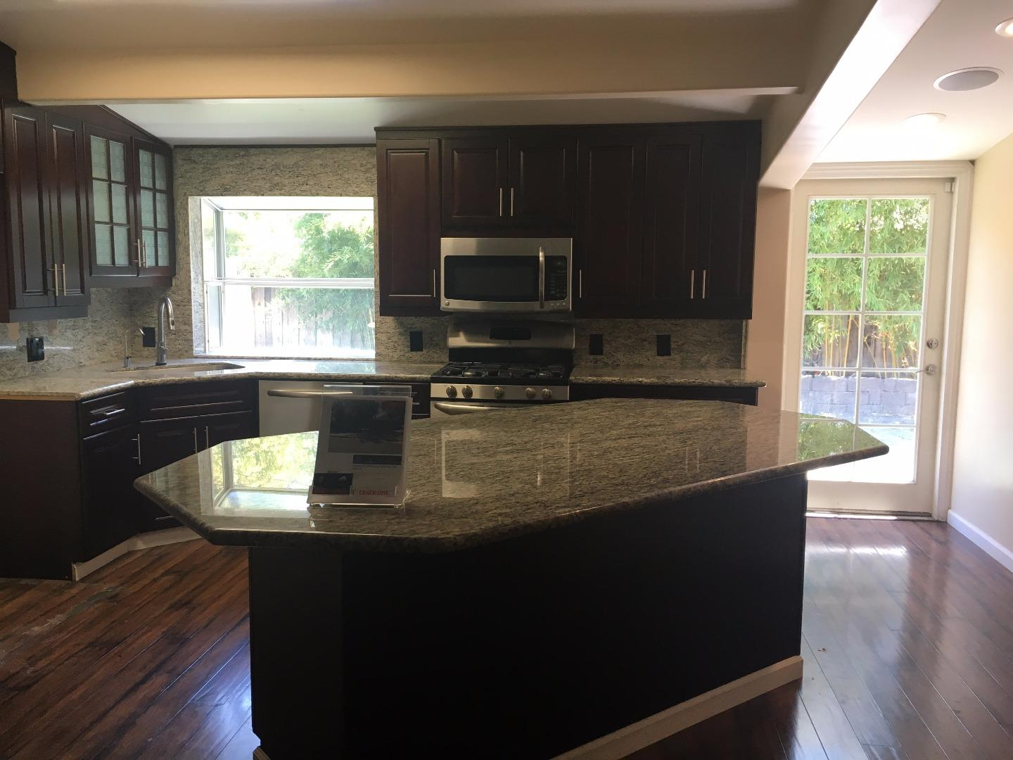 Additional photo for property listing at 2364 Sunny Vista Drive  San Jose, California 95128 United States
