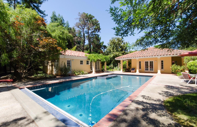واحد منزل الأسرة للـ Rent في 4 Arthur Atherton, California 94027 United States