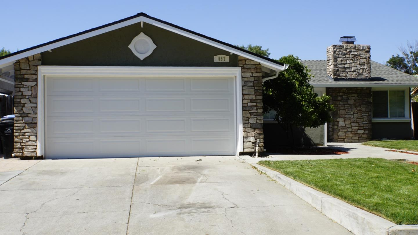 Additional photo for property listing at 557 Oldbrook Court  San Jose, California 95111 United States