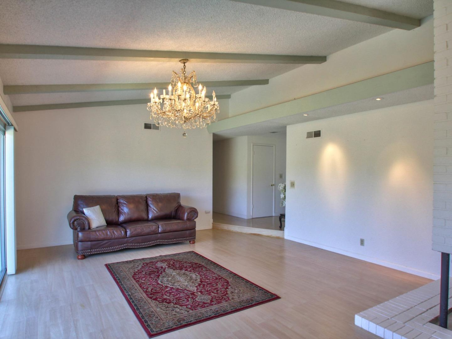Additional photo for property listing at 22279 Capote Drive  Salinas, カリフォルニア 93908 アメリカ合衆国