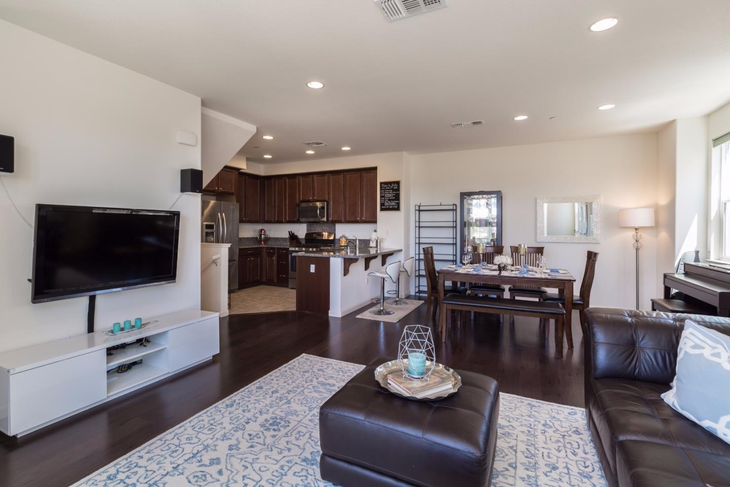 Additional photo for property listing at 1590 McCandless Drive  Milpitas, 加利福尼亞州 95035 美國