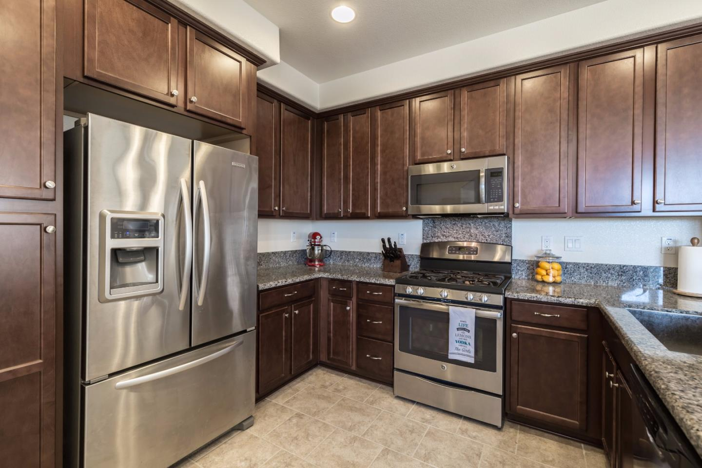 Additional photo for property listing at 1590 McCandless Drive  Milpitas, Kalifornien 95035 Vereinigte Staaten
