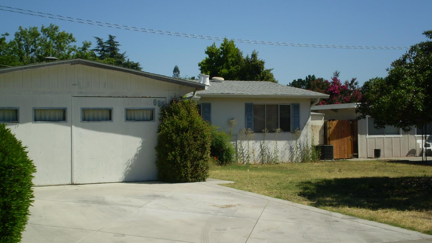 Single Family Home for Sale at 695 Buddlawn Way Campbell, California 95008 United States