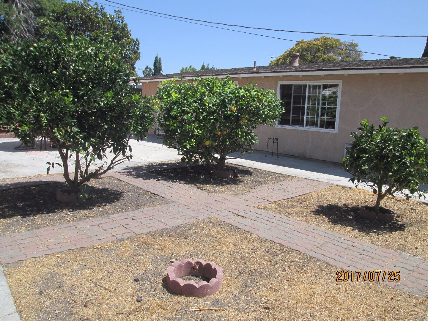 Additional photo for property listing at 1266 Manzano Way  Sunnyvale, California 94089 Estados Unidos
