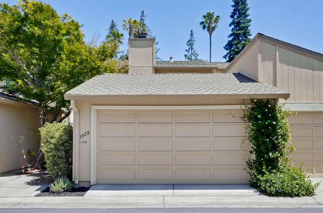 Maison accolée pour l Vente à 1028 Whitebick Drive San Jose, Californie 95129 États-Unis