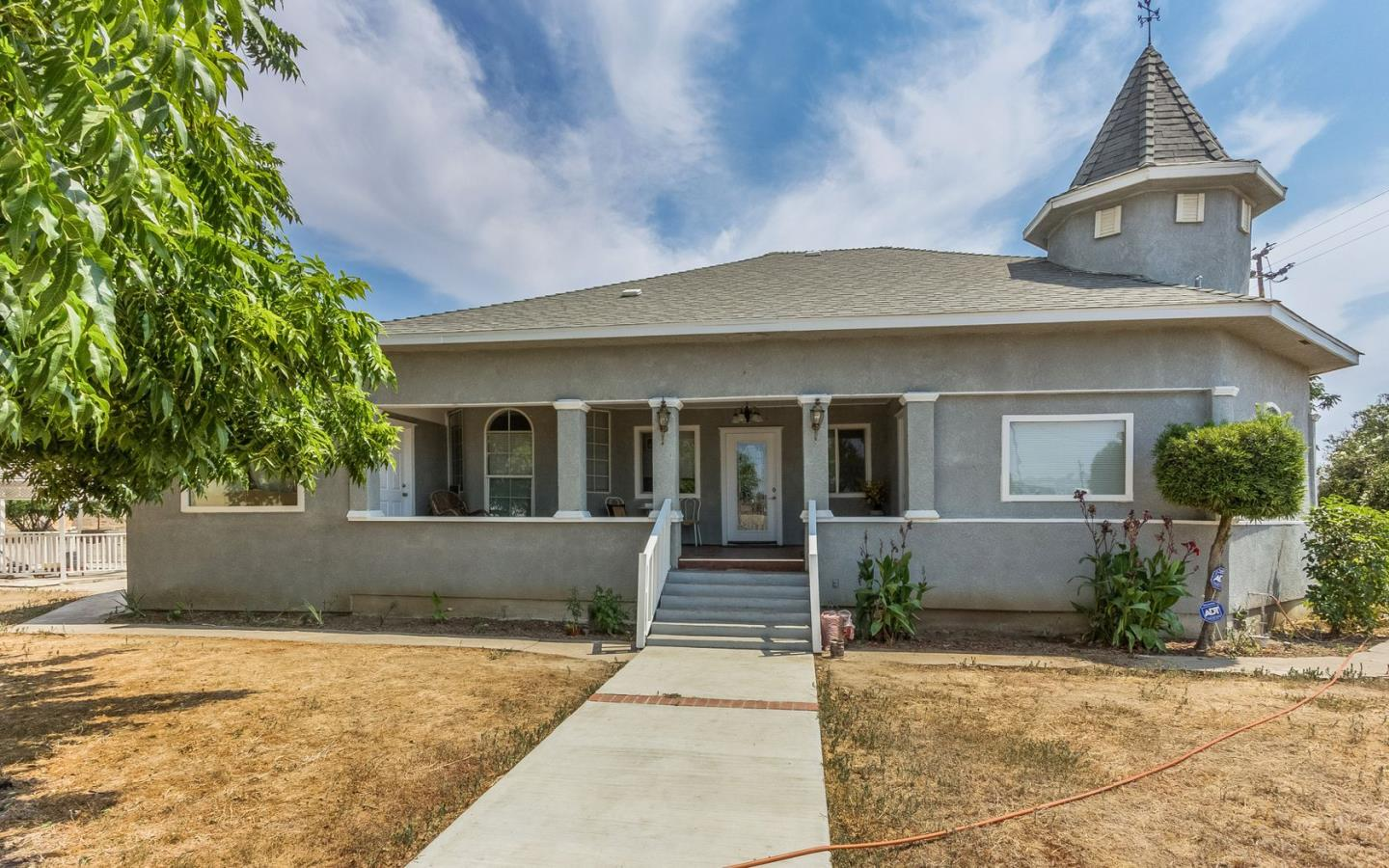 Single Family Home for Sale at 41496 Road 104 41496 Road 104 Dinuba, California 93618 United States