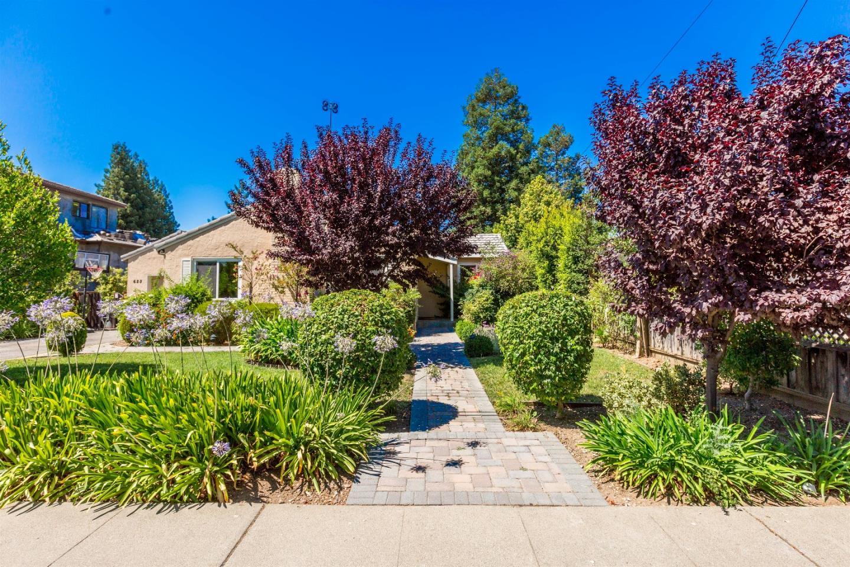 獨棟家庭住宅 為 出售 在 623 Dunholme Way Sunnyvale, 加利福尼亞州 94087 美國
