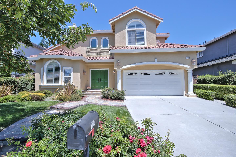 Maison unifamiliale pour l Vente à 551 Middlebury Drive Sunnyvale, Californie 94087 États-Unis
