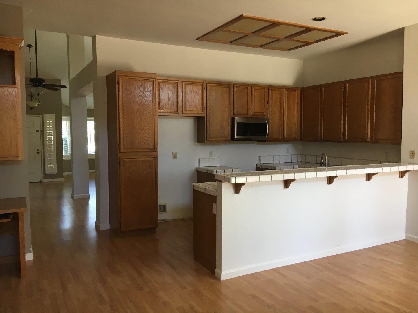 Additional photo for property listing at 1410 Falcon Court  Gilroy, California 95020 United States