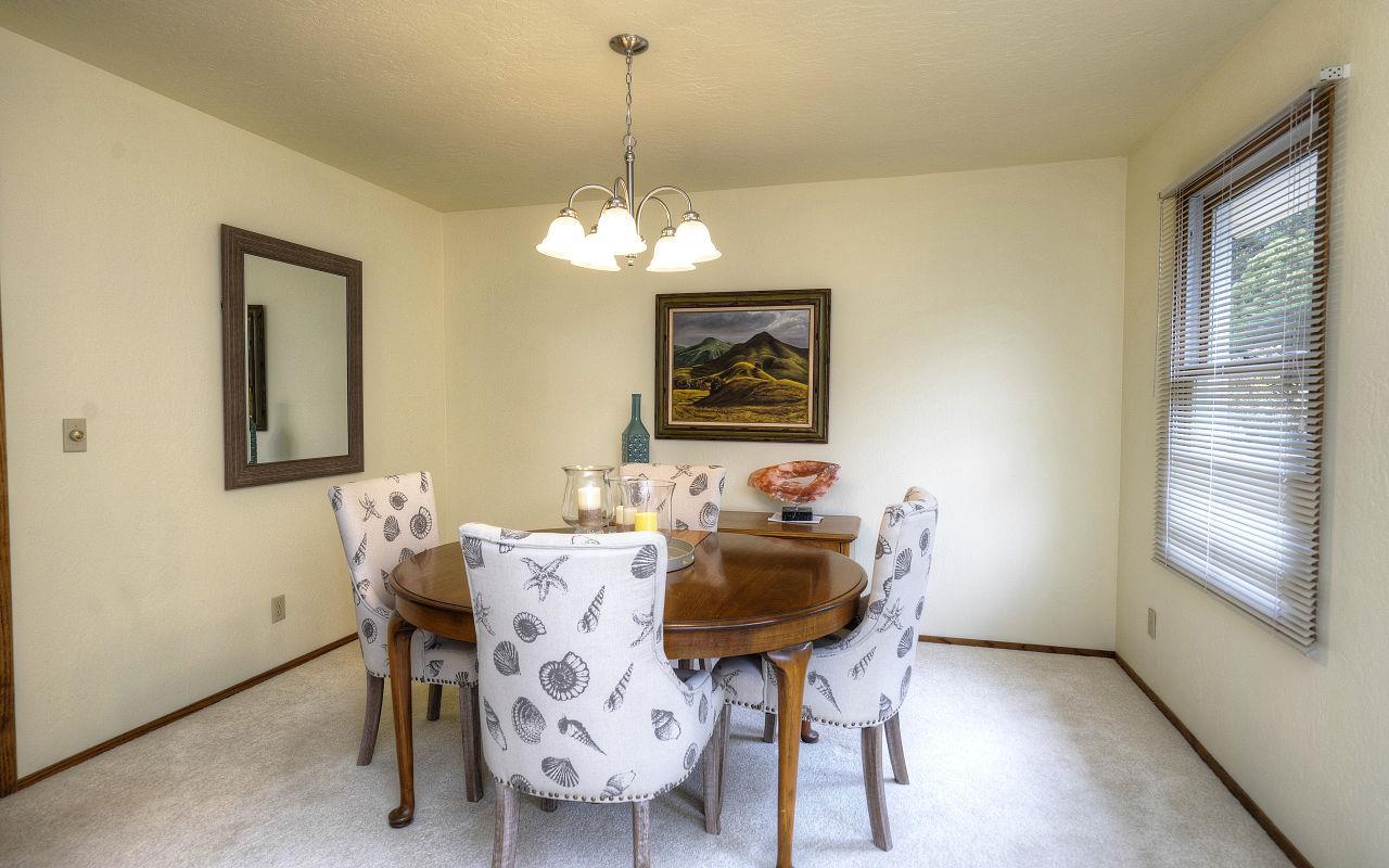 Additional photo for property listing at 1004 Acacia Street  Montara, California 94037 United States