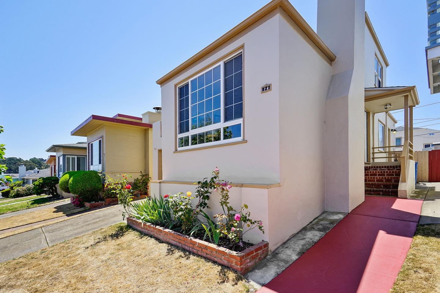 Additional photo for property listing at 74 Clifton Drive  Daly City, カリフォルニア 94015 アメリカ合衆国