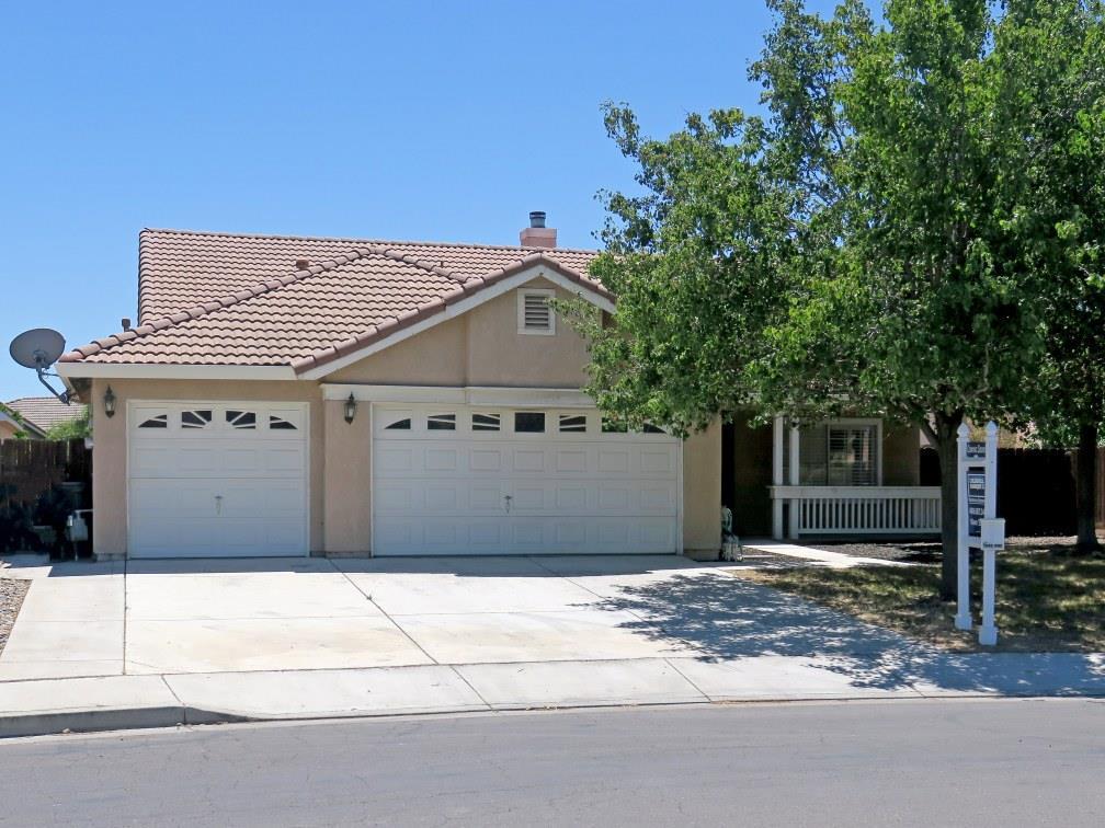 Maison unifamiliale pour l Vente à 2233 Park Crest Drive Los Banos, Californie 93635 États-Unis