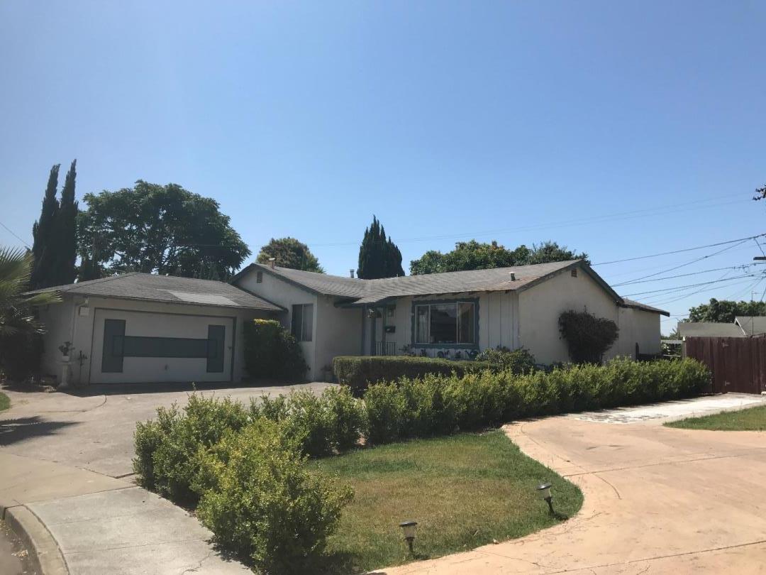 واحد منزل الأسرة للـ Sale في 444 Elm Court Milpitas, California 95035 United States
