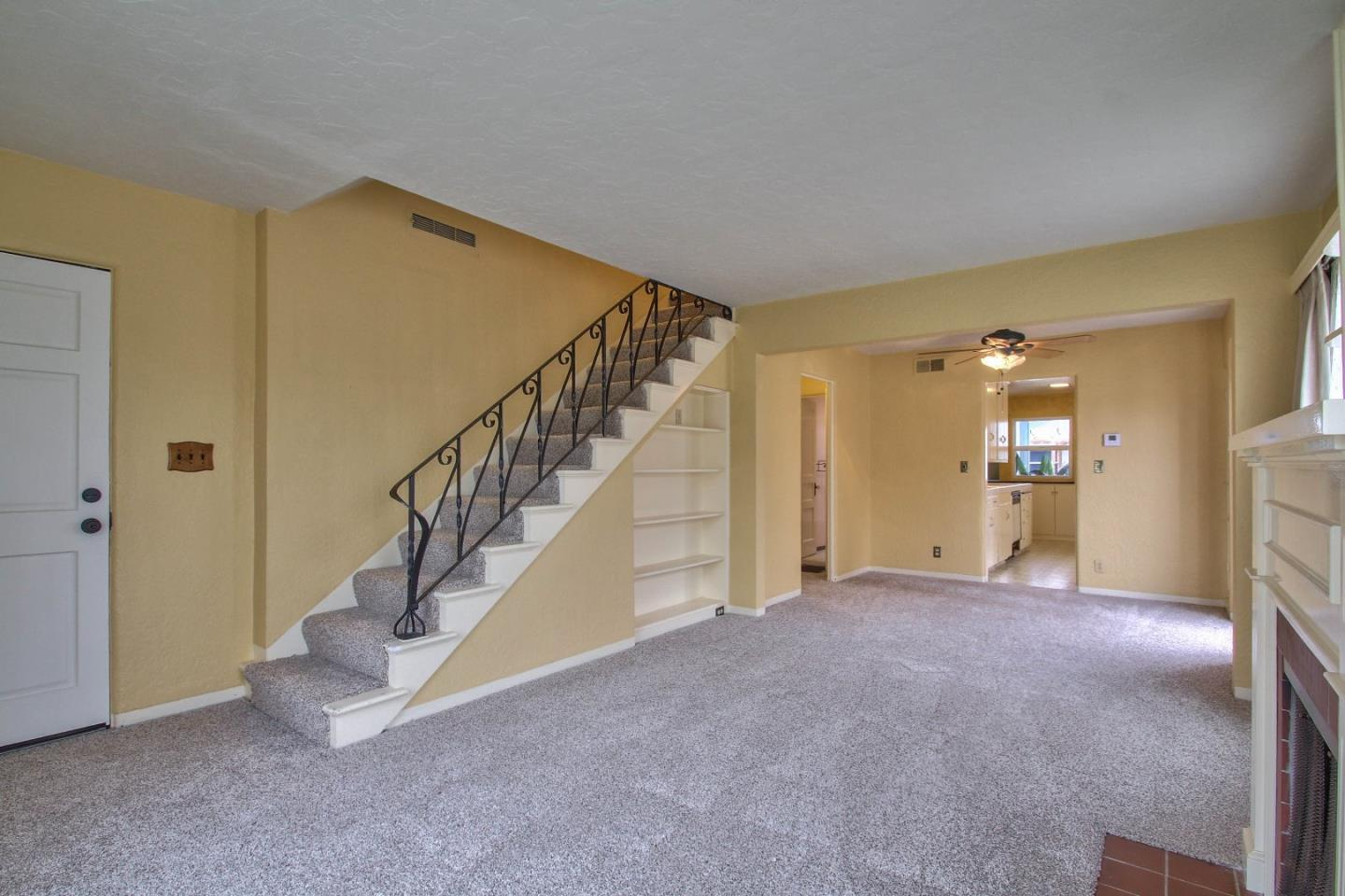 Additional photo for property listing at 246 Katherine Avenue  Salinas, カリフォルニア 93901 アメリカ合衆国