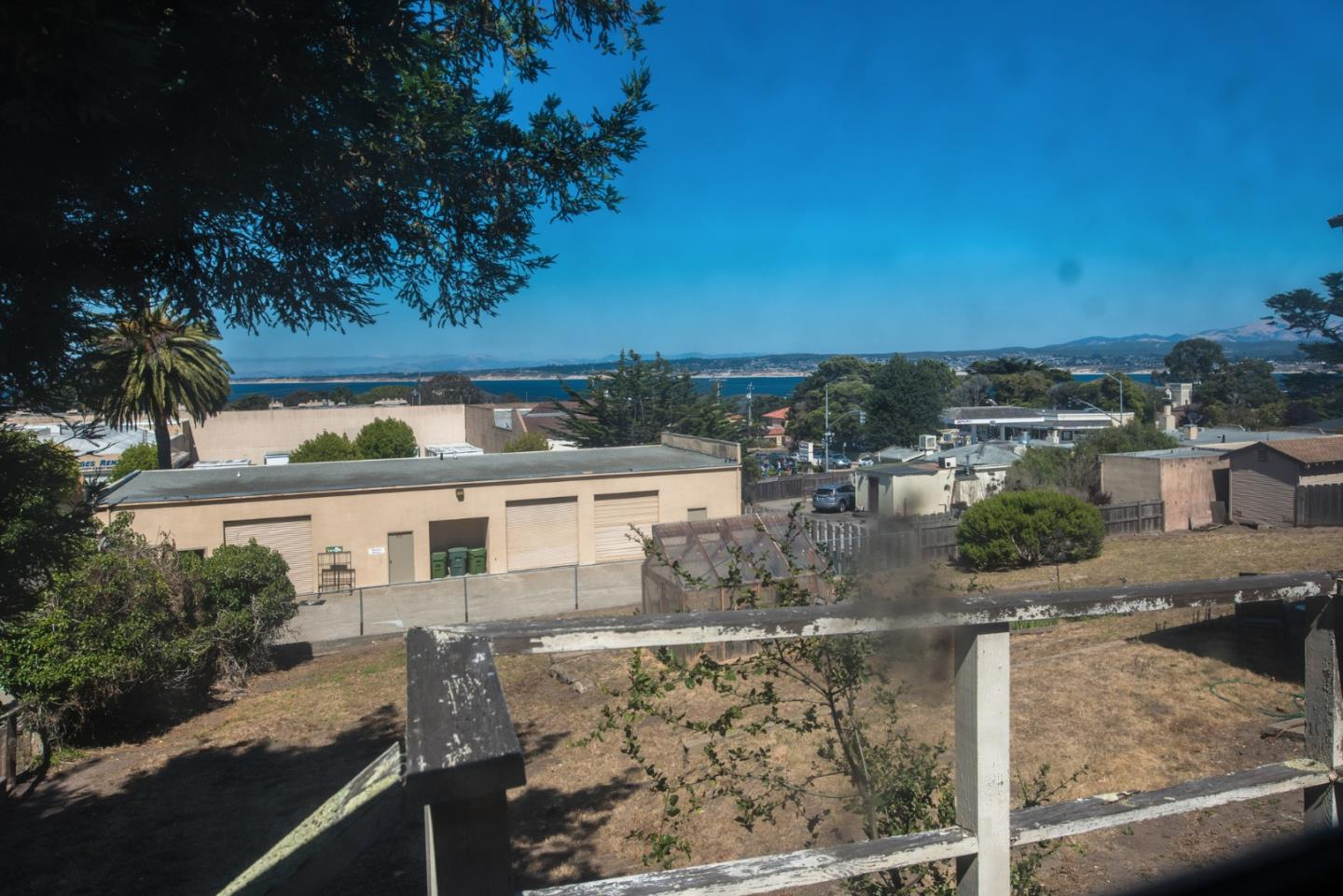 Additional photo for property listing at 442 Hawthorne Street  Monterey, Kalifornien 93940 Vereinigte Staaten