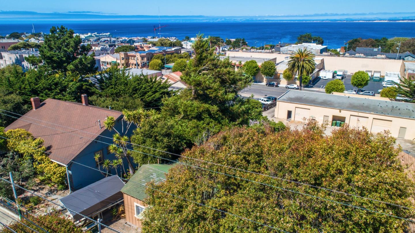 Additional photo for property listing at 442 Hawthorne Street  Monterey, California 93940 United States