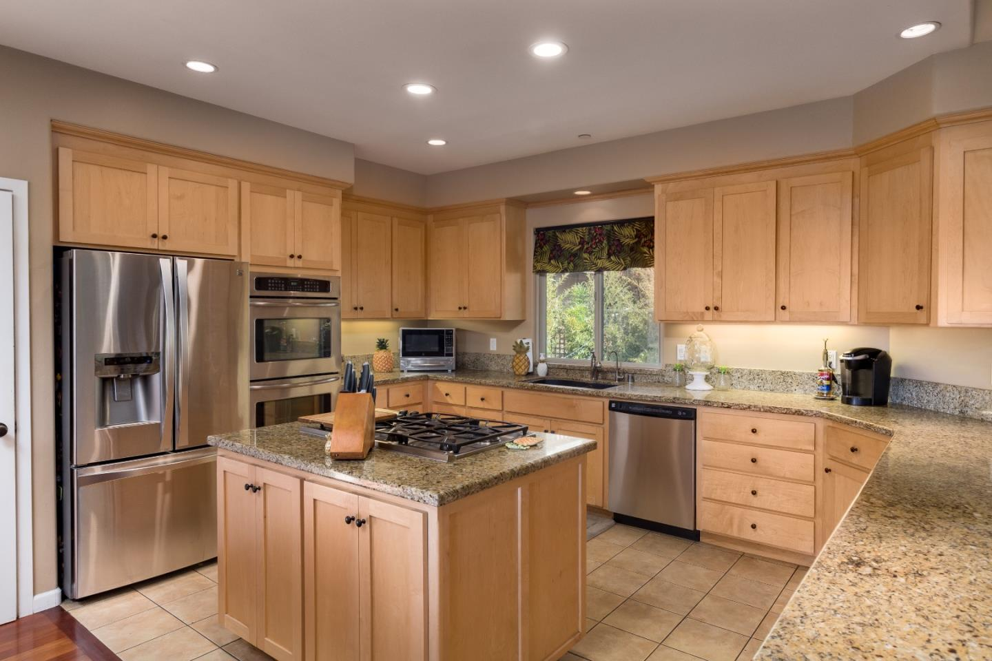 Additional photo for property listing at 3370 Houts Drive  Santa Cruz, カリフォルニア 95065 アメリカ合衆国