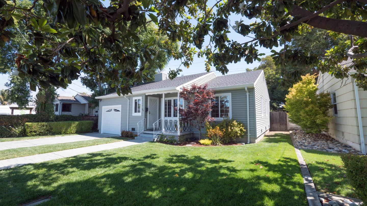 Additional photo for property listing at 102 N Rochester Street  San Mateo, カリフォルニア 94401 アメリカ合衆国
