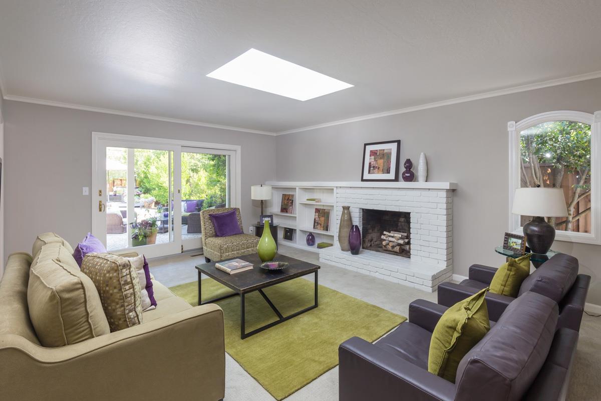 Additional photo for property listing at 1233 Eureka Avenue  Los Altos, California 94024 United States