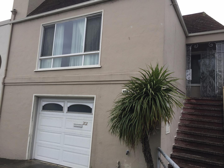 獨棟家庭住宅 為 出售 在 202 E Market Street Daly City, 加利福尼亞州 94014 美國
