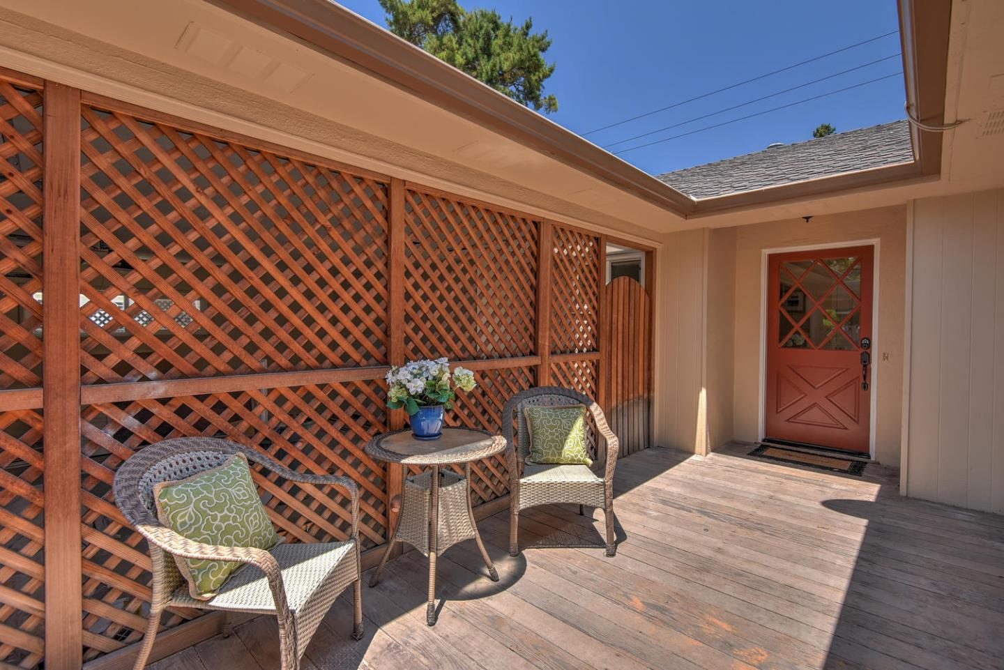 Additional photo for property listing at 1016 Tulane Drive  Mountain View, California 94040 Estados Unidos