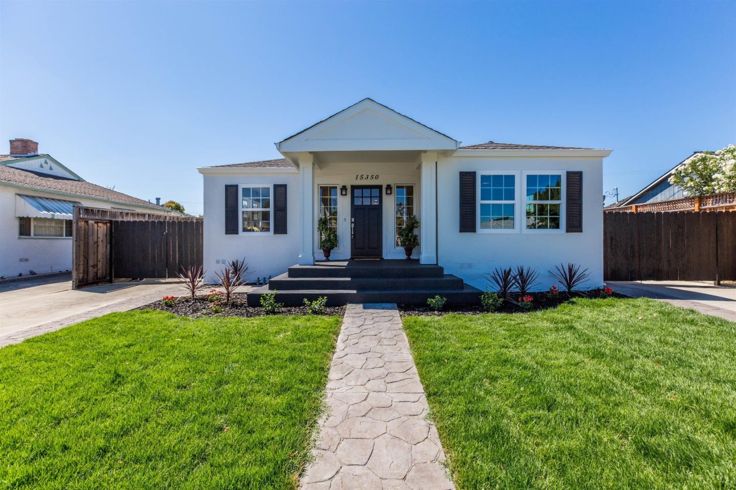 Additional photo for property listing at 15350 Herring Avenue  San Jose, Kalifornien 95124 Vereinigte Staaten