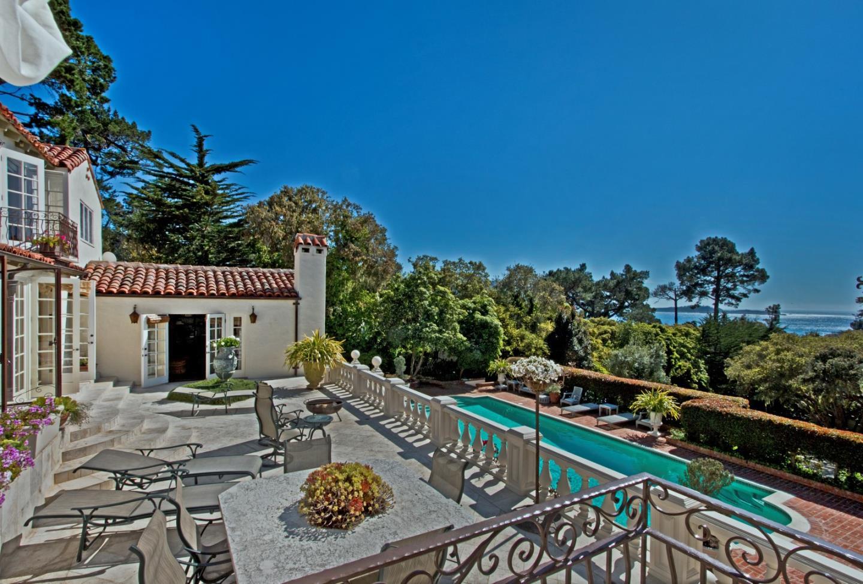 Частный односемейный дом для того Продажа на 1531 Riata Road Pebble Beach, Калифорния 93953 Соединенные Штаты