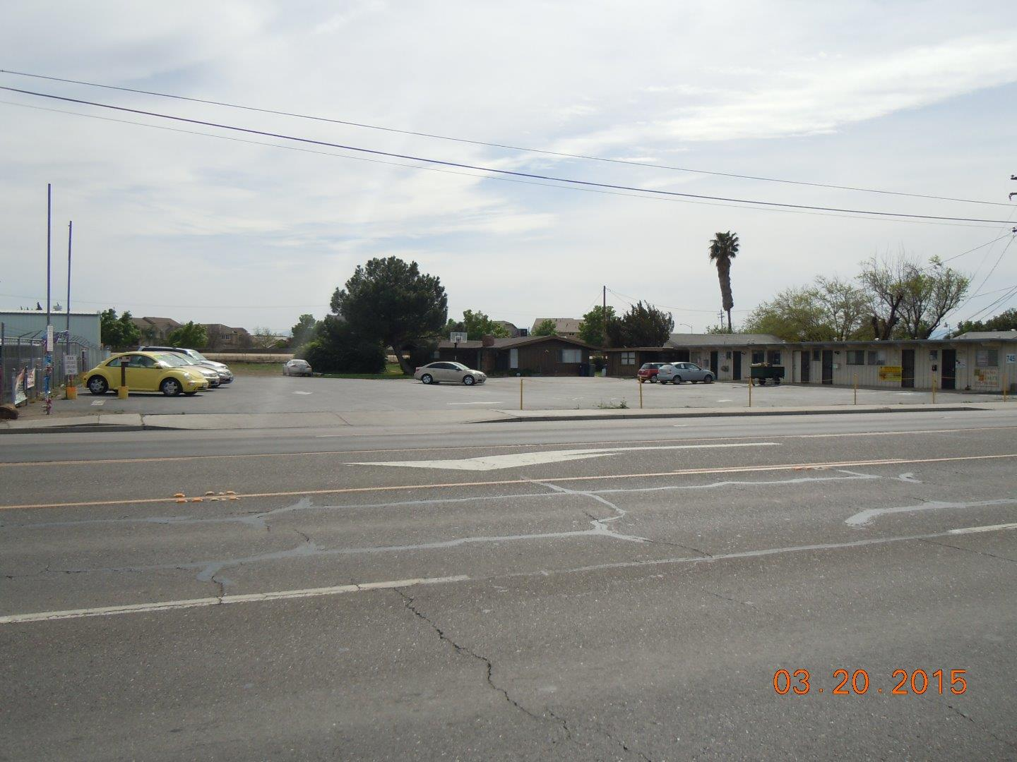 Additional photo for property listing at 739 W Pacheco Boulevard  Los Banos, Californie 93635 États-Unis