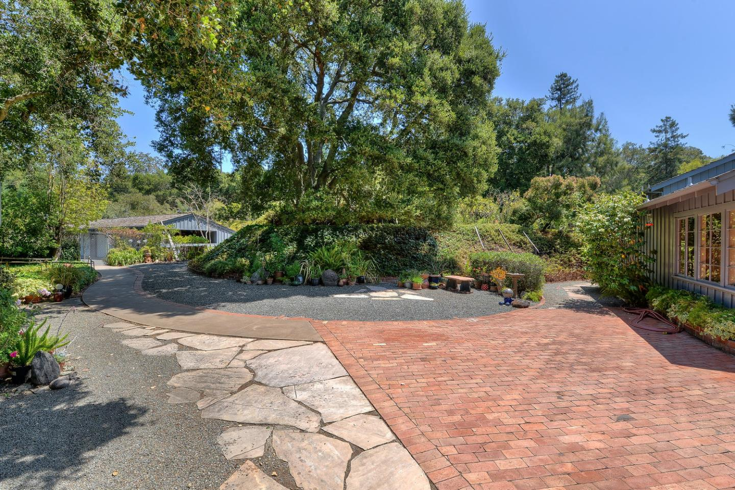 Additional photo for property listing at 10275 Kenbar Road  Los Altos, カリフォルニア 94024 アメリカ合衆国