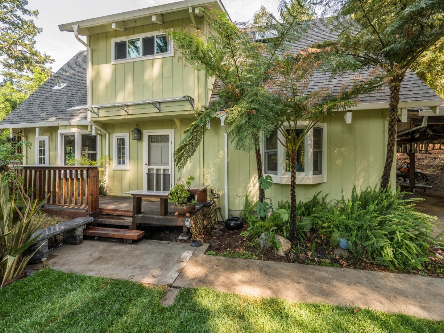 Maison unifamiliale pour l Vente à 1303 Highland Drive 1303 Highland Drive Boulder Creek, Californie 95006 États-Unis