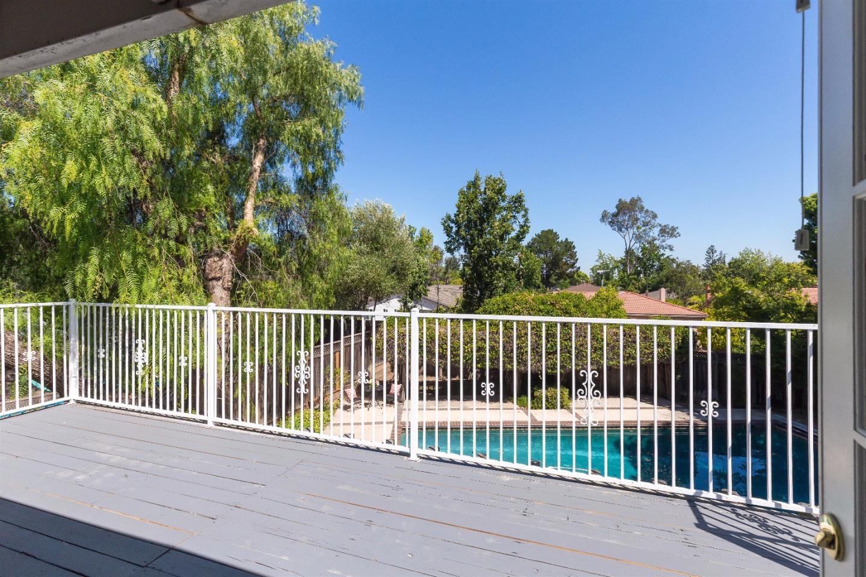 Additional photo for property listing at 327 Carlton Avenue  Los Gatos, California 95032 United States