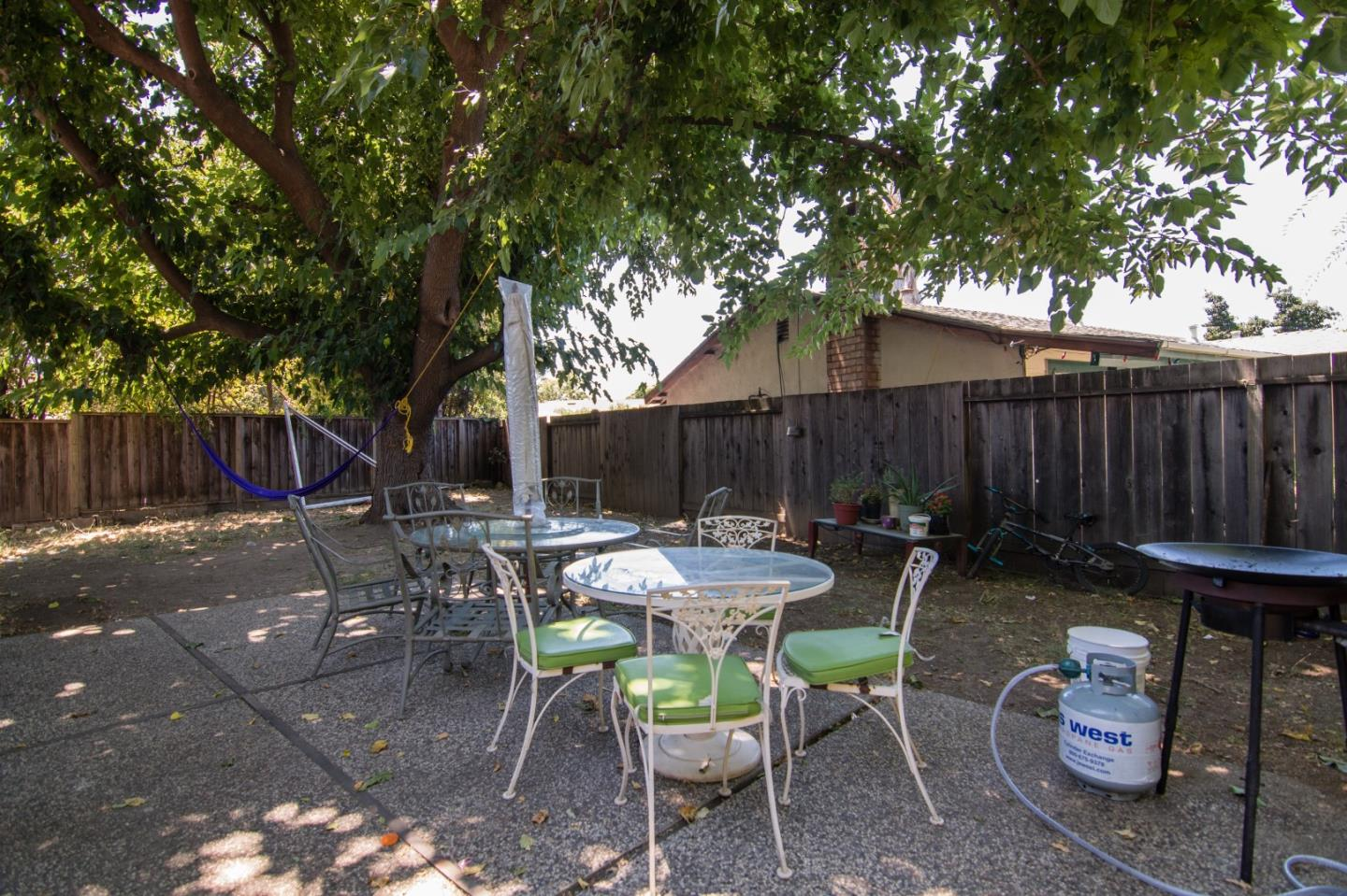 Additional photo for property listing at 697 Elmbrook Way  San Jose, California 95111 United States