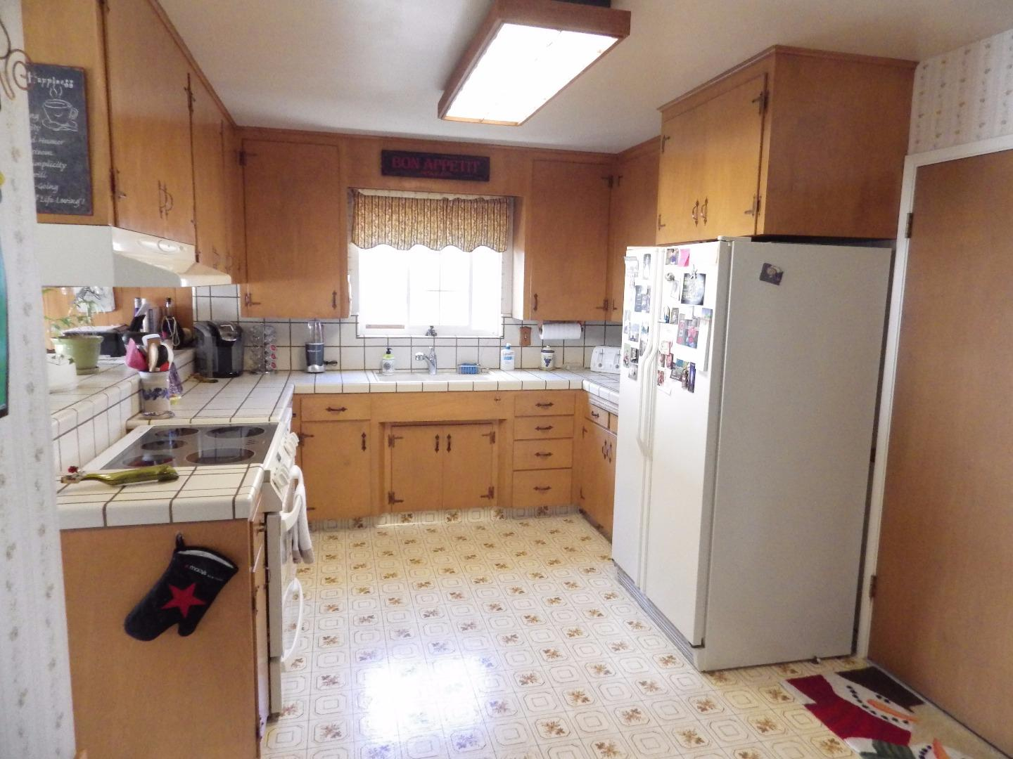 Additional photo for property listing at 1644 Cambrian Drive  Salinas, California 93906 United States