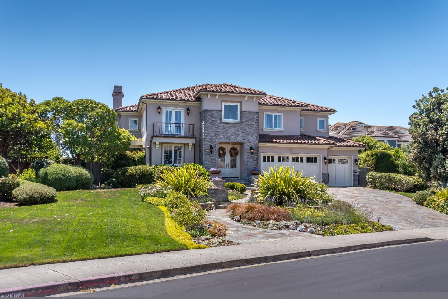 Single Family Home for Sale at 46 Spyglass Court Half Moon Bay, California 94019 United States