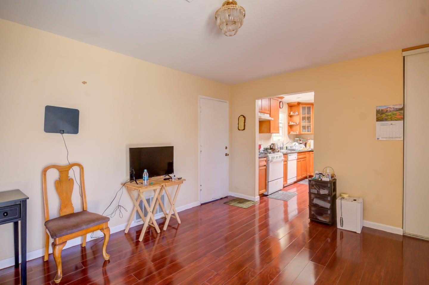 Additional photo for property listing at 1655 Siskiyou Drive  Salinas, Californie 93906 États-Unis