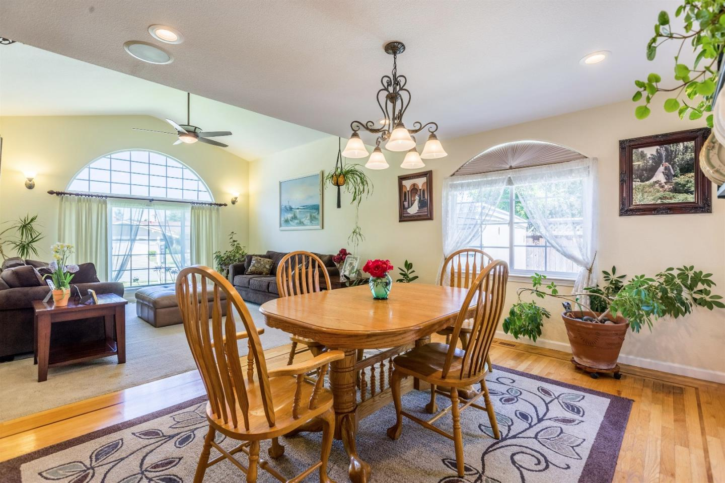 Additional photo for property listing at 1240 Somerset Drive  San Jose, Kalifornien 95132 Vereinigte Staaten