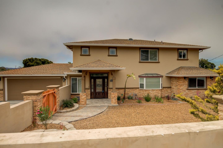 Частный односемейный дом для того Продажа на 2085 Cross Street Seaside, Калифорния 93955 Соединенные Штаты