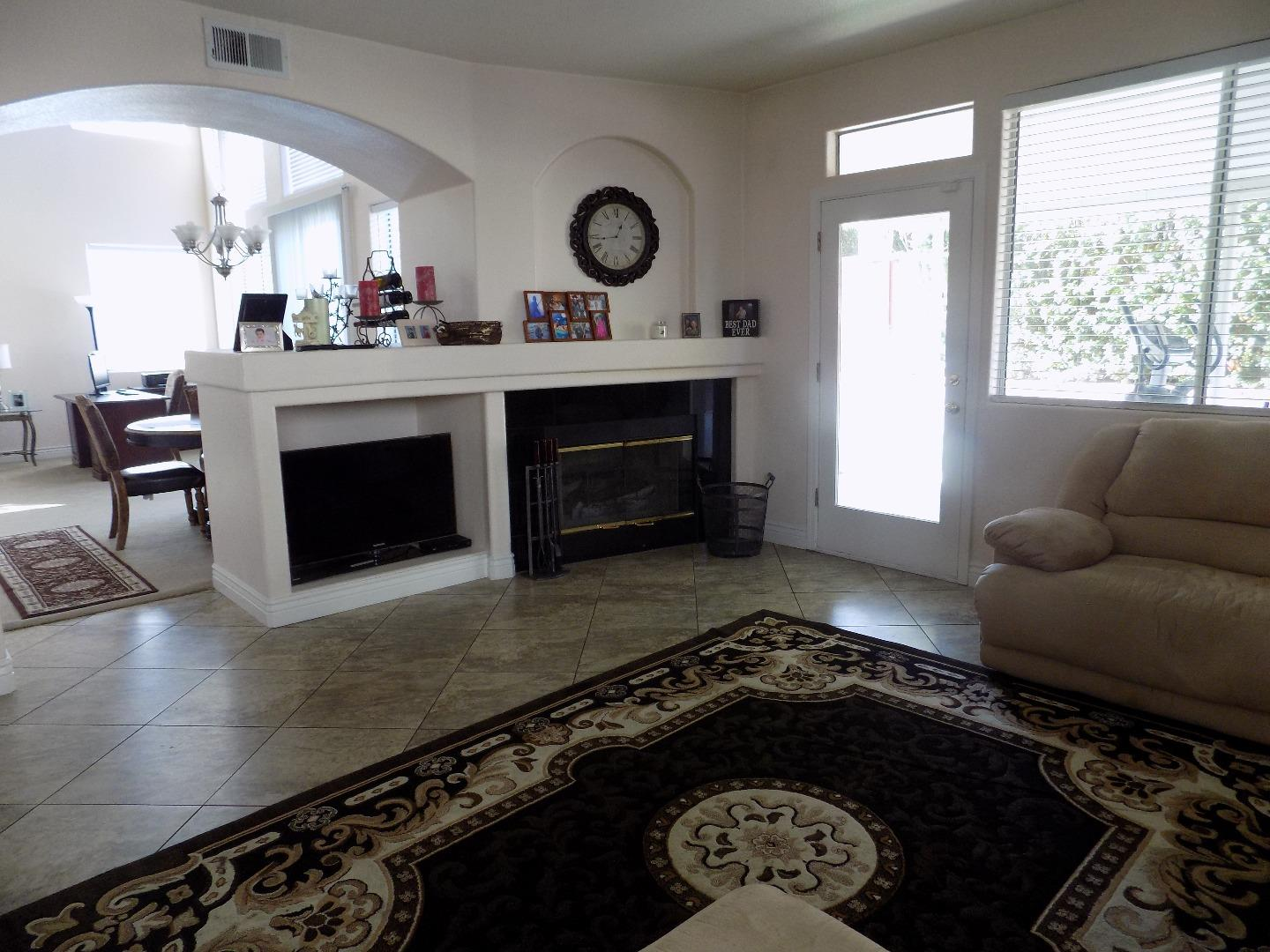 Additional photo for property listing at 1836 London Way  Salinas, California 93906 United States