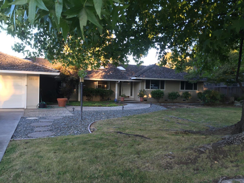 واحد منزل الأسرة للـ Rent في 19030 Portos Drive Saratoga, California 95070 United States