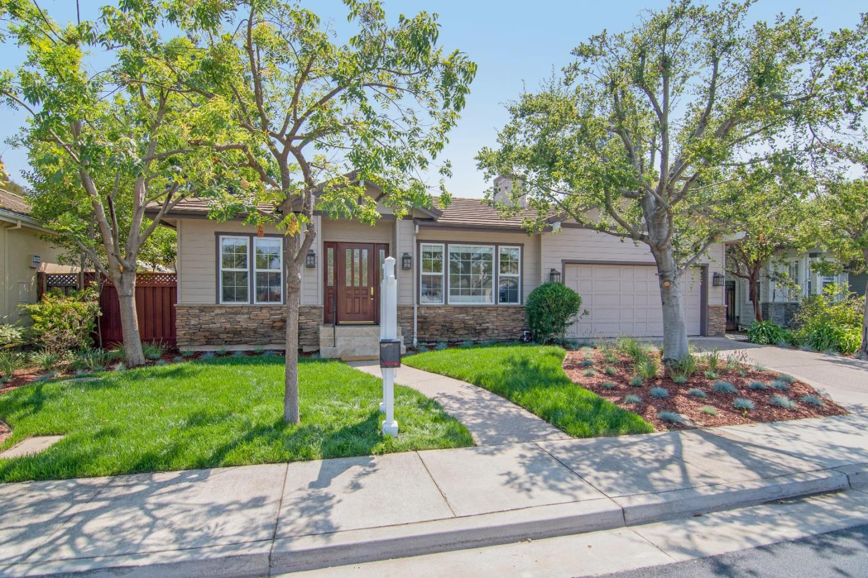 واحد منزل الأسرة للـ Sale في 7808 Creekline Drive 7808 Creekline Drive Cupertino, California 95014 United States