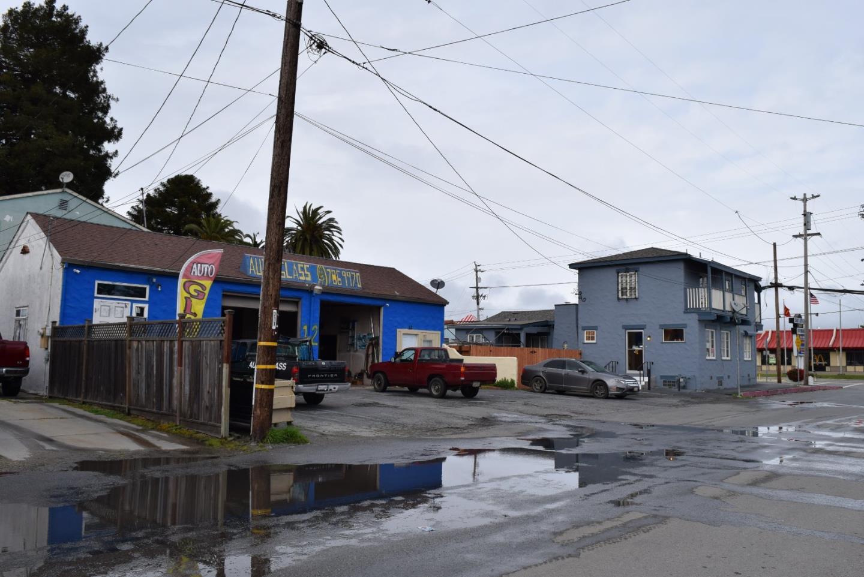 多戶家庭房屋 為 出售 在 1601 Freedom Boulevard Freedom, 加利福尼亞州 95019 美國