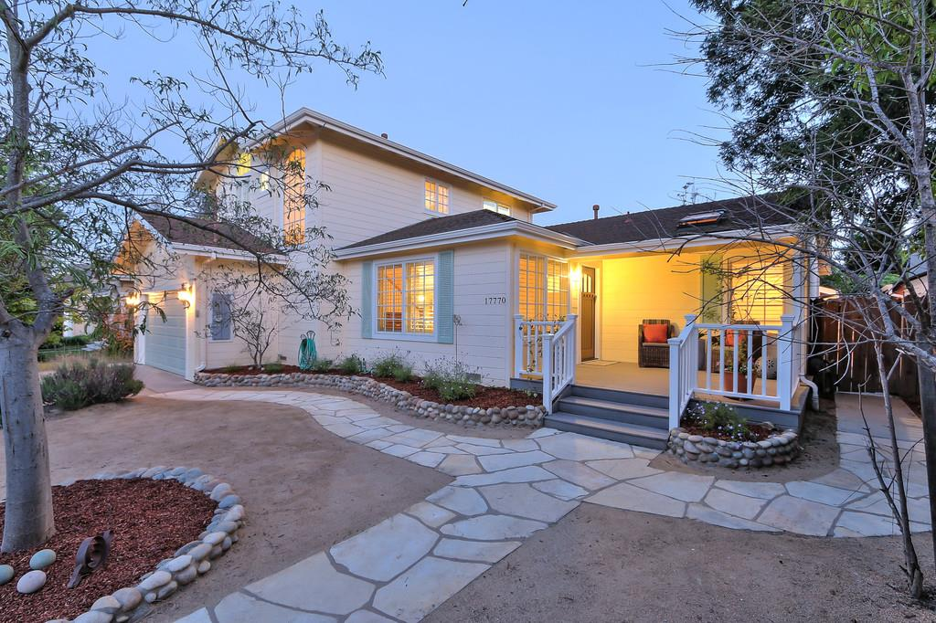 واحد منزل الأسرة للـ Sale في 17770 Vista 17770 Vista Monte Sereno, California 95030 United States