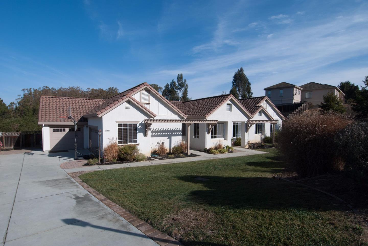 واحد منزل الأسرة للـ Sale في 17447 Avenida Los Altos Prunedale, California 93907 United States