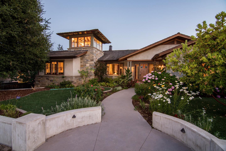 Maison unifamiliale pour l Vente à 17348 E Vineland Avenue Monte Sereno, Californie 95030 États-Unis