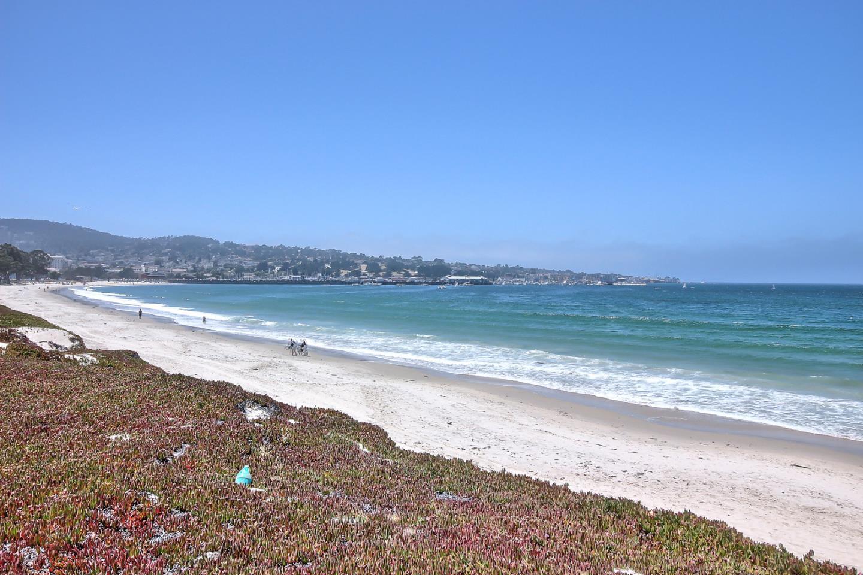 Таунхаус для того Продажа на 47 La Playa Street Monterey, Калифорния 93940 Соединенные Штаты