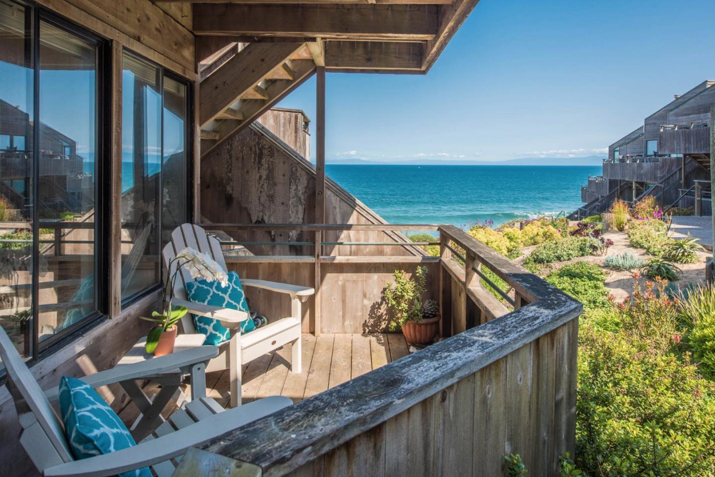 شقة بعمارة للـ Sale في 1 Surf Way 1 Surf Way Monterey, California 93940 United States