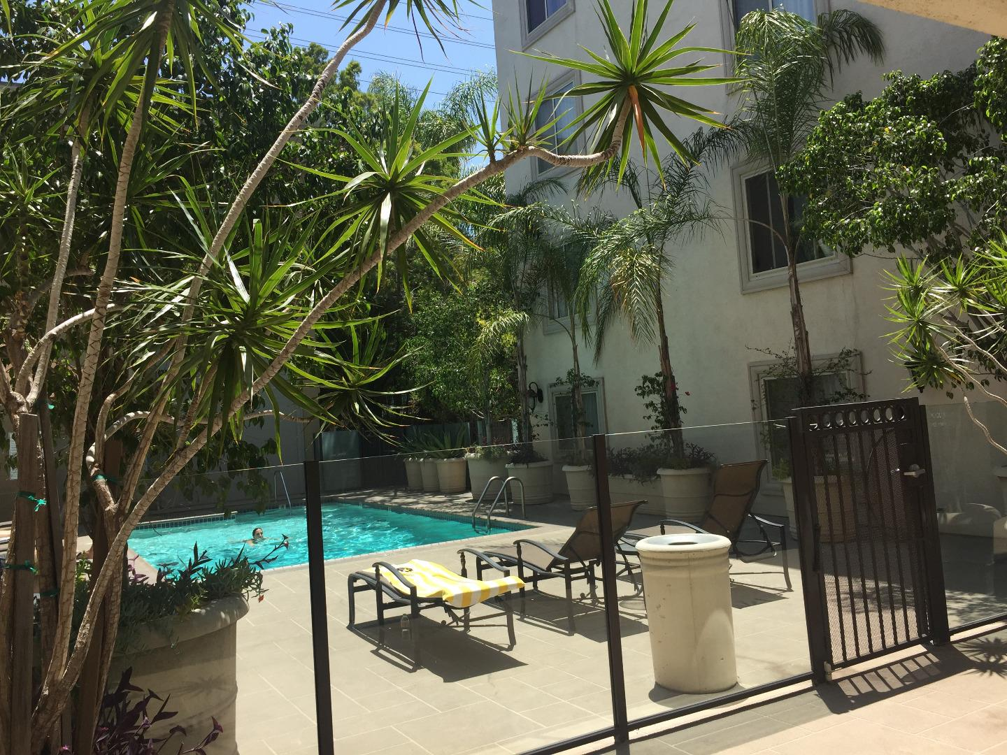 Additional photo for property listing at 141 S Clark Drive  West Hollywood, Kalifornien 90048 Vereinigte Staaten